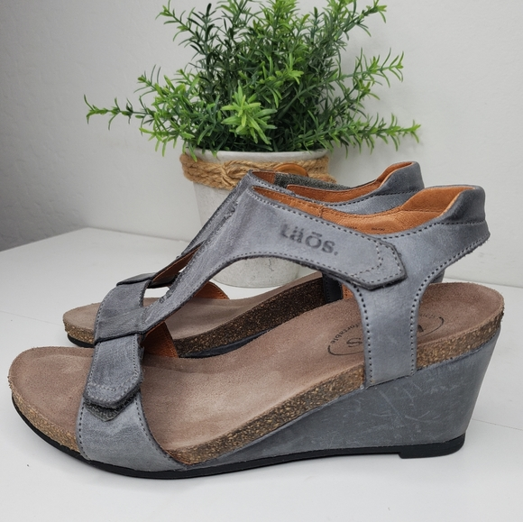 Taos Gray Washed Distressed Leather Sandels